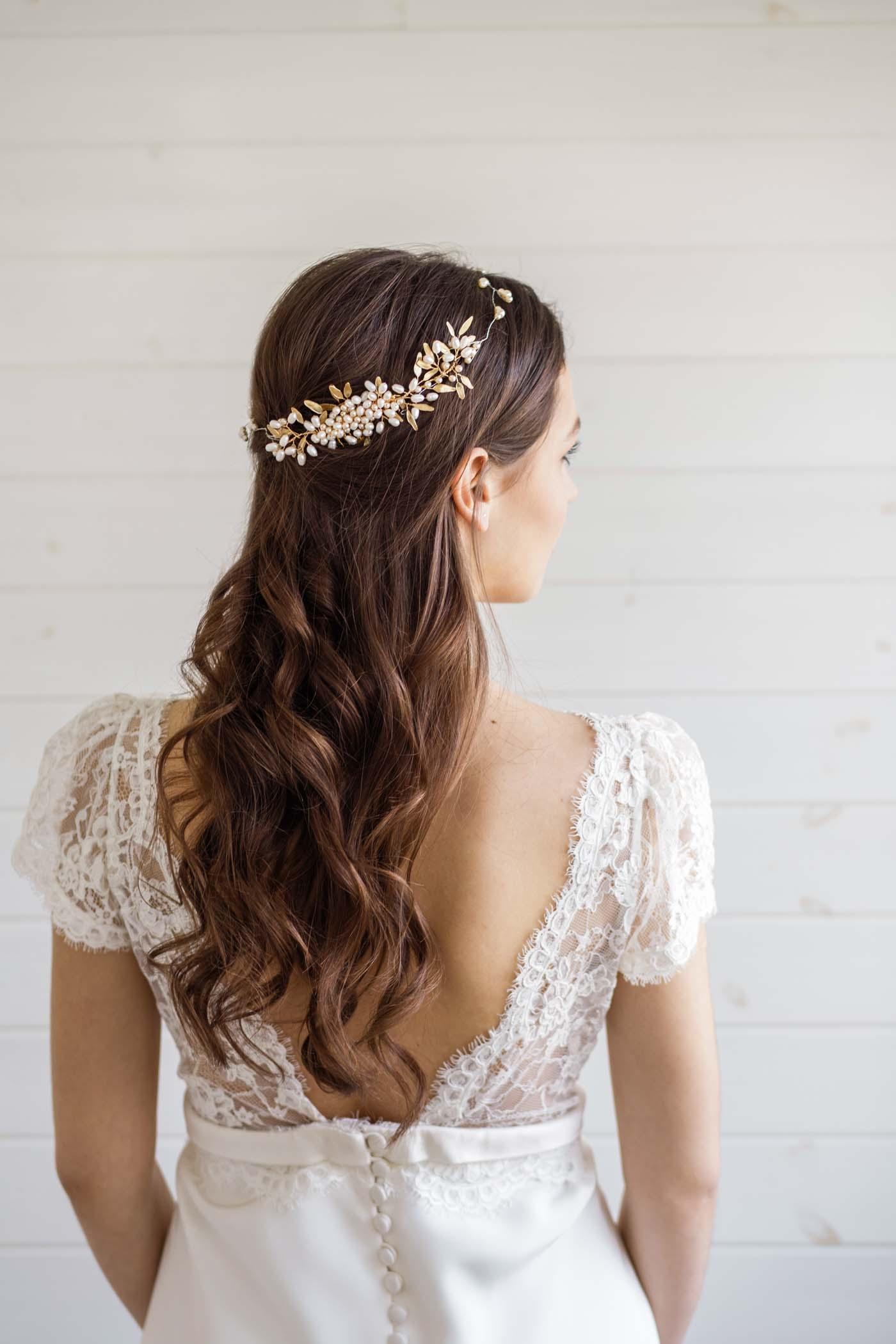 Hypericum Wedding Hair Vine - Victoria Millesime